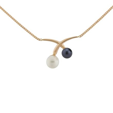 Cultured pearl rose gold necklace