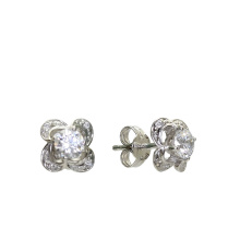 Oriental-motif Stud Earrings