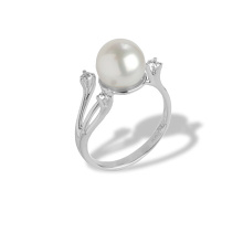 Pearl Ring Features 3 Diamonds. 750 White Gold, KARATOFF Series