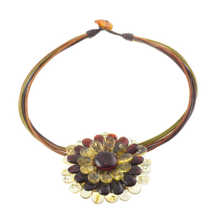 Amber camomile flower necklace