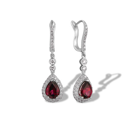 750 gold garnet earrings