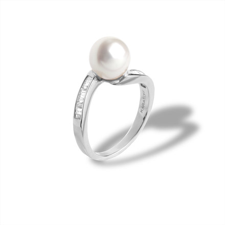 Pearl Ring Features 20 Channel Set Diamonds. 750 White Gold, KARATOFF Series