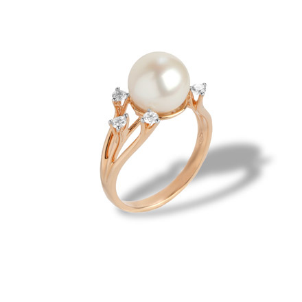 Pearl Ring Features 5 Diamonds. 750 Rose Gold, KARATOFF Series