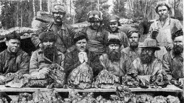 Demantoid miners in the Urals.