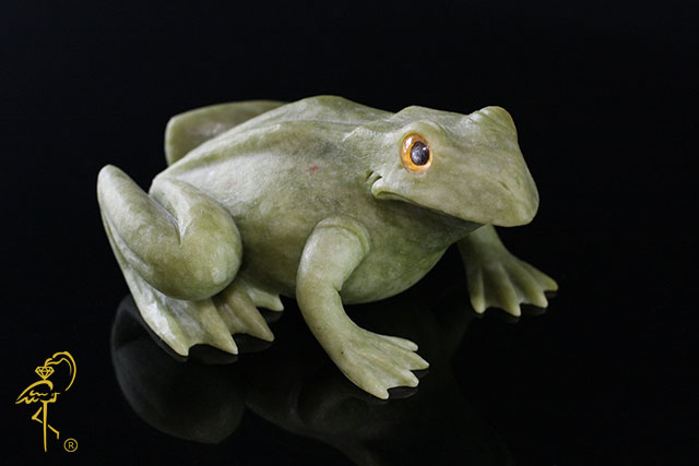 Lavrovit toad from the Carving Museum of the Golden Flamingo Jewelers