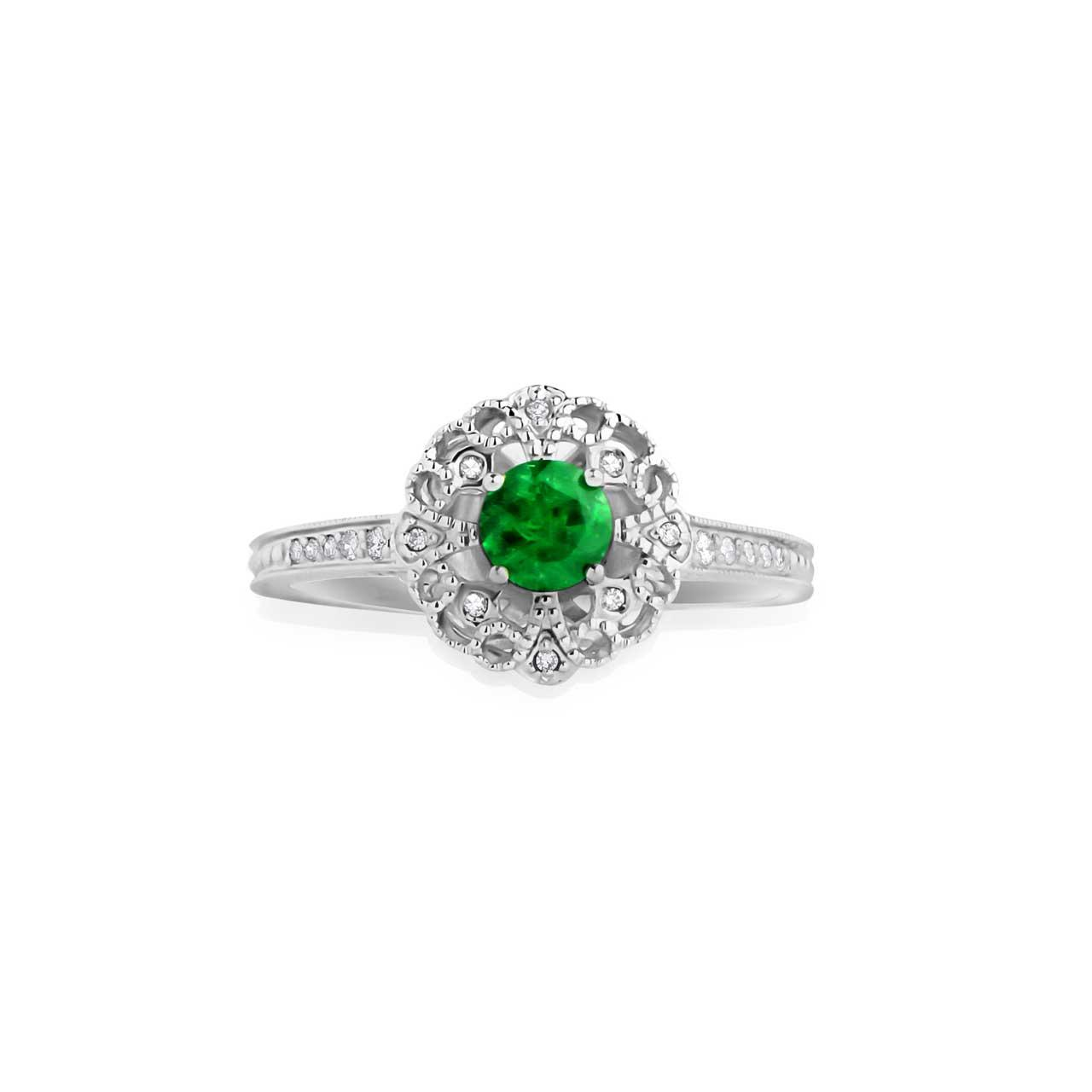 Emerald engraved gold ring 2
