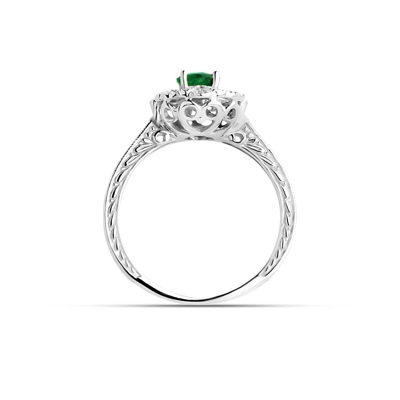 Emerald engraved gold ring 3