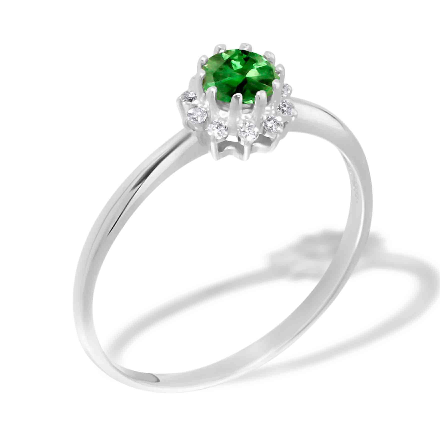 1369c8ecc135b Emerald and Diamond Ring