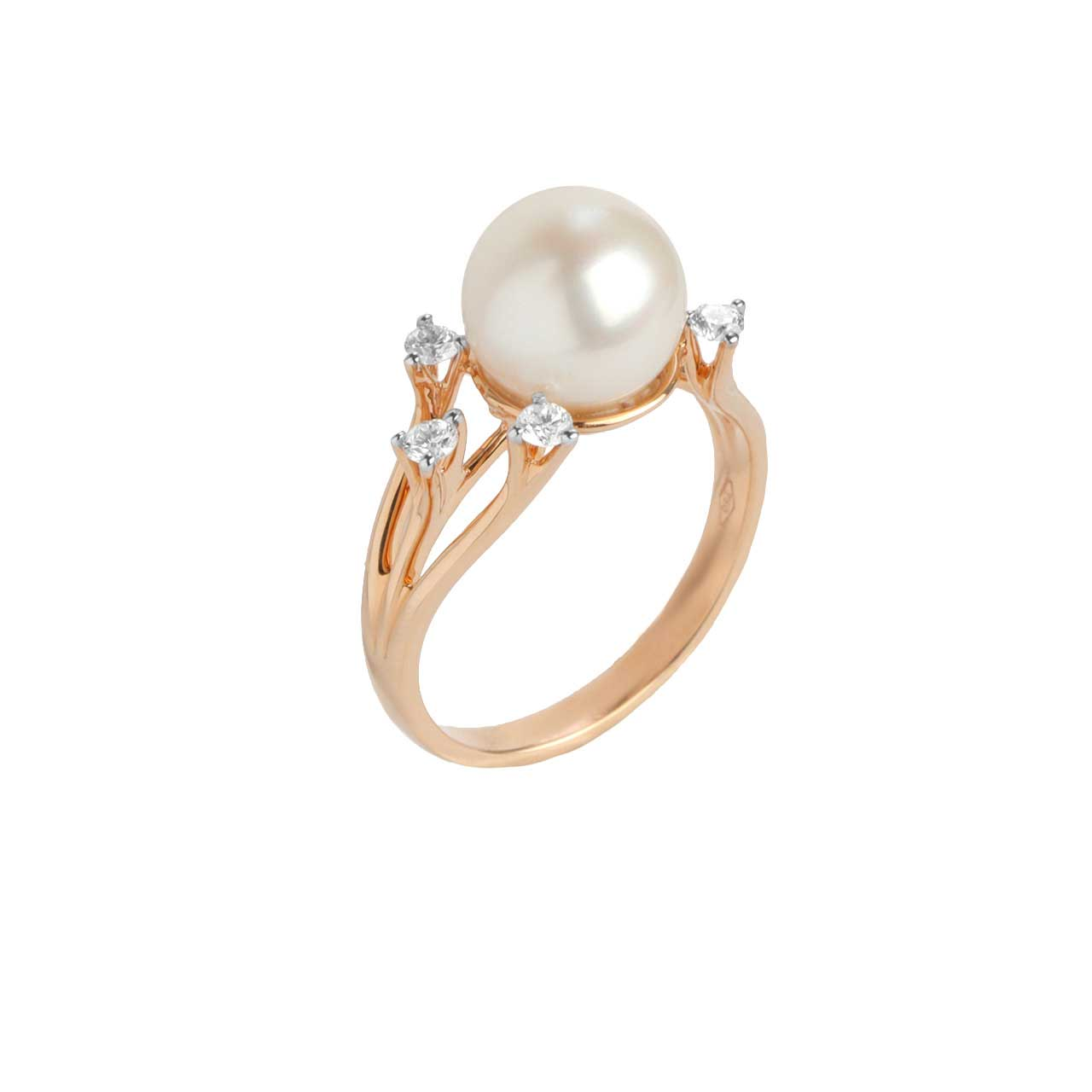 Pearl Ring Features 5 Diamonds